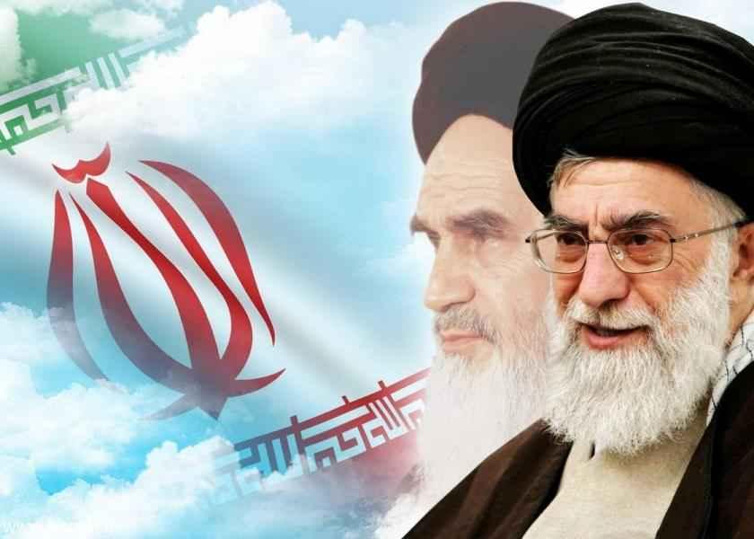 الإمام الخامنئي: نسيم الثورة تخطّى الحدود