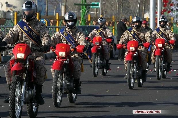 بمناسبة انتصار الثورة.. مسيرة لوحدة الدراجات النارية للقوات المسلحة من مطار طهران إلى مرقد الإمام الخميني