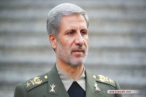 """العميد حاتمي: ما أسس له الشهيد """"شمران"""" بمجال الصناعات الدفاعية بات اليوم يرعب الأعداء"""