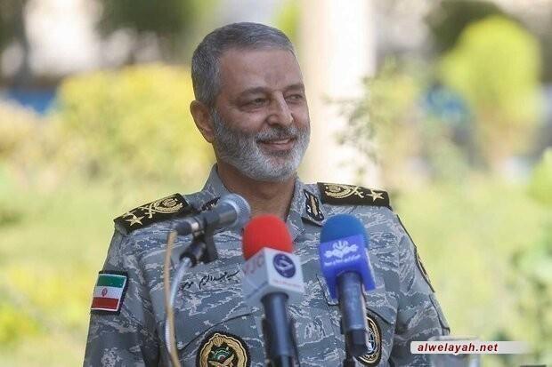 اللواء موسوي رداً على رسالة القائد؛ جيش الجمهورية الإسلامية يفخر كونه في ظل قيادة حكيمة