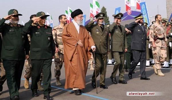 الإمام الخامنئي يحضر مراسم تخرّج دفعة من ضباط الجيش الإيراني