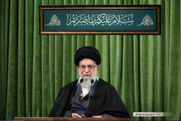 الإمام الخامنئي: الشعب الإيراني يكن احتراما خاصا للممرضين والممرضات