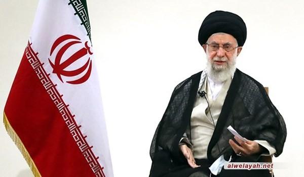 الإمام الخامنئي: دماء الشهداء الطاهرة سجلت حقانية الجمهورية الإسلامية في جبين التاريخ