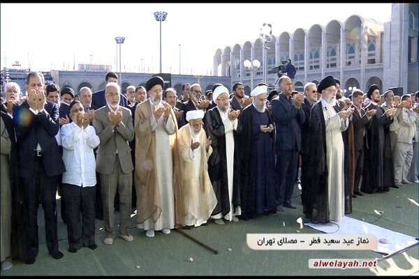 في خطبة صلاة العيد؛ قائد الثورة الإسلامية: سوف لا تقوم أي قائمة لصفقة القرن