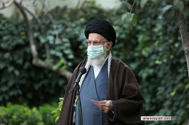 قائد الثورة الإسلامية: النباتات والمساحات الخضراء عناصر مهمة في الحياة وفي بناء الحضارة الإنسانية