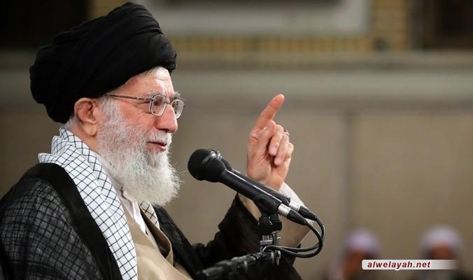 قائد الثورة الإسلامية: من أرد إحصاء جرائم جيوش قوى الاستكبار فعليه تأليف عدة كتب