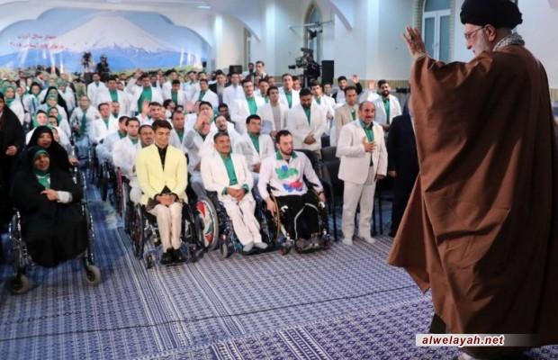 """قائد الثورة الإسلامية: الحرب الراهنة في عالم اليوم هي """"حرب الإرادات"""""""