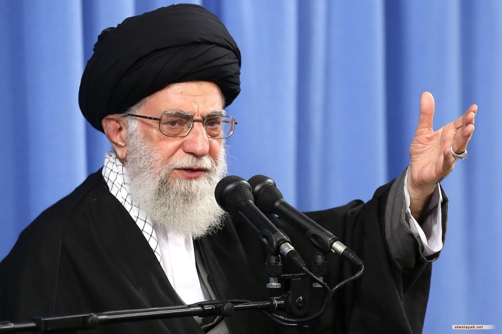 قائد الثورة الإسلامية يدين بشدة الاعتداء الأميركي على الحشد الشعبي