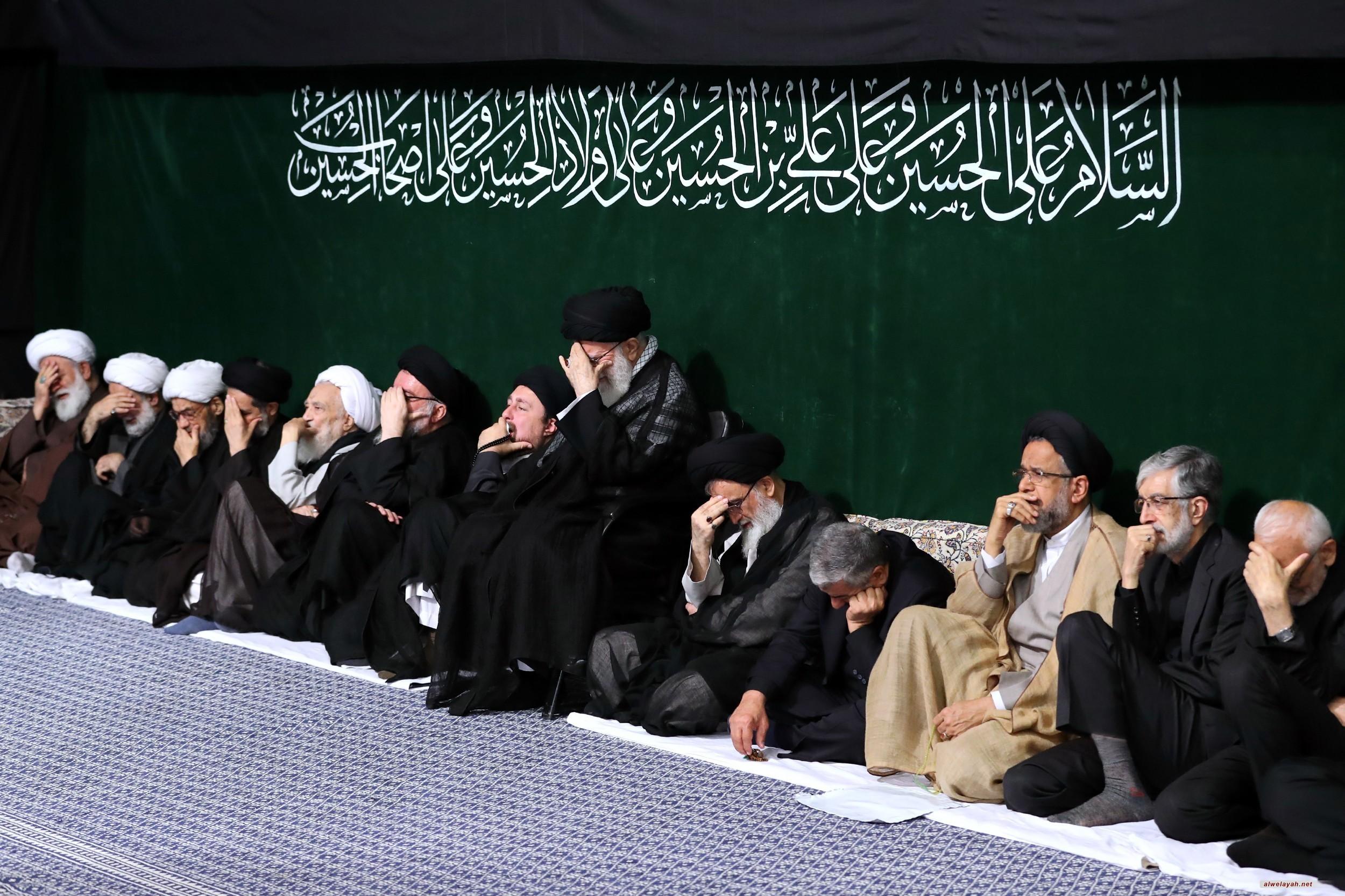 بحضور قائد الثورة الإسلامية..إقامة مراسم الليلة الأولى لعزاء سيد الشهداء أبي عبد الحسين (ع)