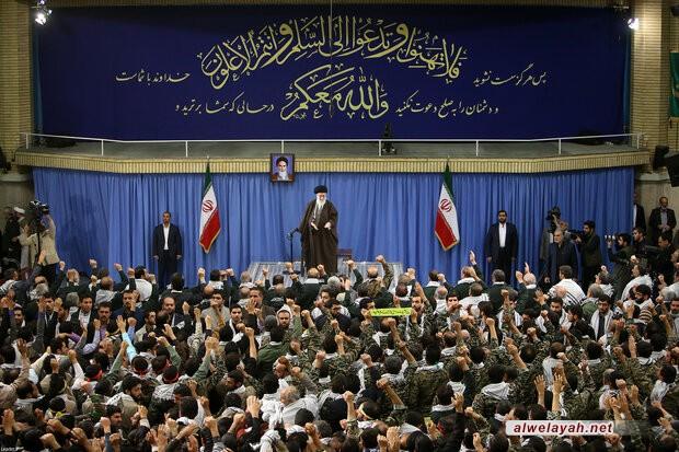 قائد الثورة الإسلامية يستقبل حشداً من التعبويين