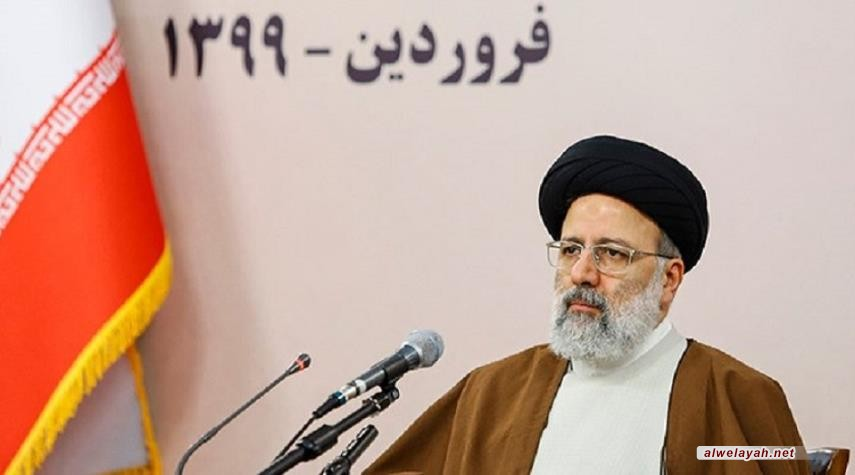 بتوجيه من قائد الثورة الإسلامية: الأسر الفقيرة من ذوي السجناء تتلقى الدعم المعيشي
