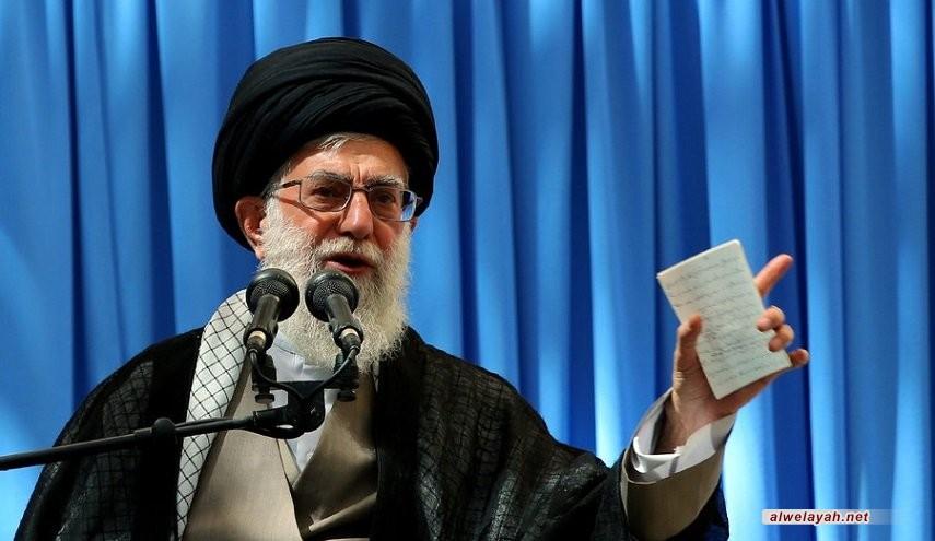 في خطابه السنوي بمرقد الإمام الرضا(ع) قائد الثورة الإسلامية: إيران قصمت ظهر التكفيريين وأفشلت المخطط الأميركي بالمنطقة