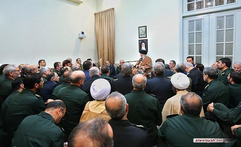 قائد الثورة الإسلامية: تعزيز قدرات القوات المسلحة للحفاظ على مناعة الشعب
