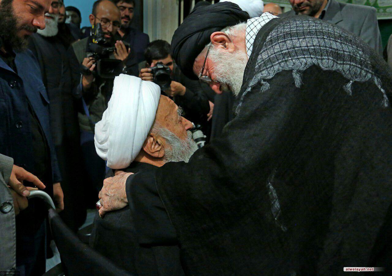 قائد الثورة الإسلامية يعزي برحيل آية الله شاه آبادي