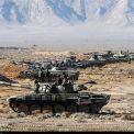 """إيران.. القوات البرية للجيش تنفذ مناورات """"عشاق الولاية 99"""" شمال غرب البلاد"""