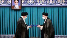 قائد الثورة الإسلامية في مراسم التنصيب؛ الشعب ردّ بحزم على مؤامرة مقاطعة الانتخابات