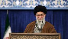قائد الثورة الإسلامية يبعث برسالتين منفصلتين إلى السيد حسن نصر الله وإسماعيل هنية