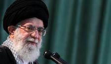 قائد الثورة الإسلامية يبعث برقية إلی آية الله السيستاني